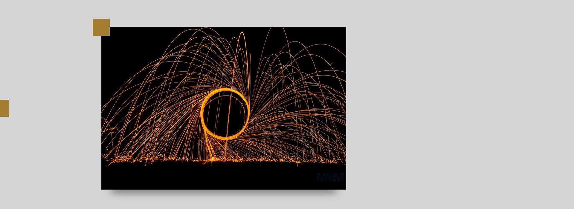 flashlight night photography - عکاسی در شب