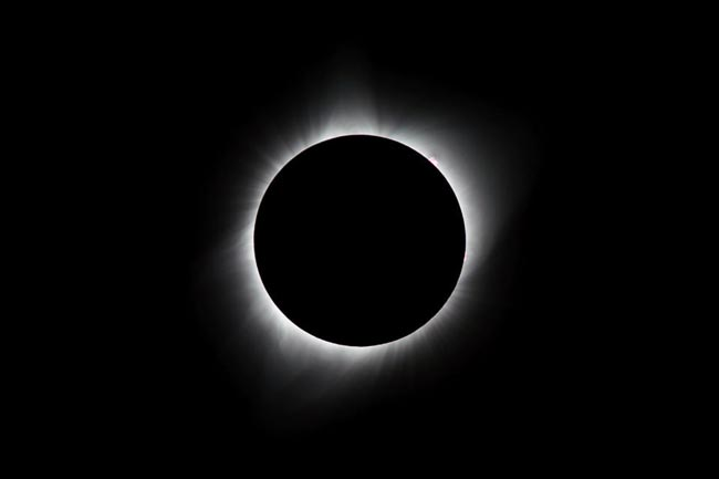 Total Solar Eclipse - چگونگی عکاسی از خورشید گرفتگی