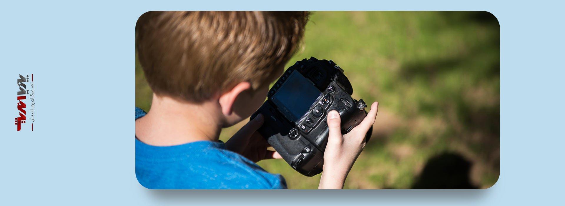 girl photographer 7 - چرا کودکان ما باید عکاسی بیاموزند ؟